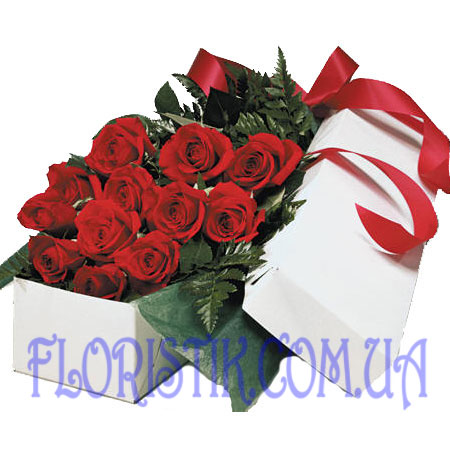 15 red roses. Buy 15 red roses in the online store Floristik