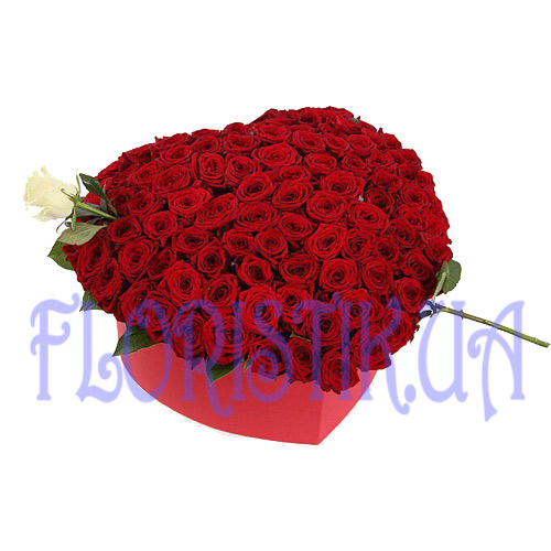 The box  heart of 101 roses ― Floristik.ua — Shop online flower delivery all over Ukraine and the world