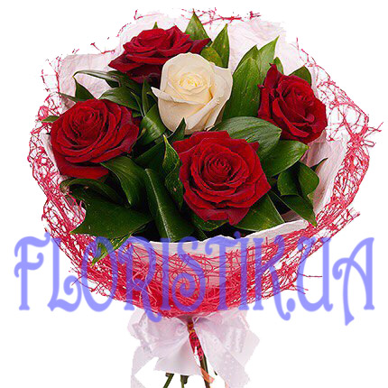 Bouquet 5 white and red roses ― Floristik — Shop online flower delivery all over Ukraine.